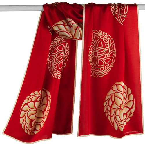 Japanese Medallions Oblong Scarf (red)